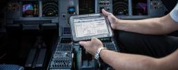 Easy Jet - Electronic flight management mit FZ-G1 (English PDF)